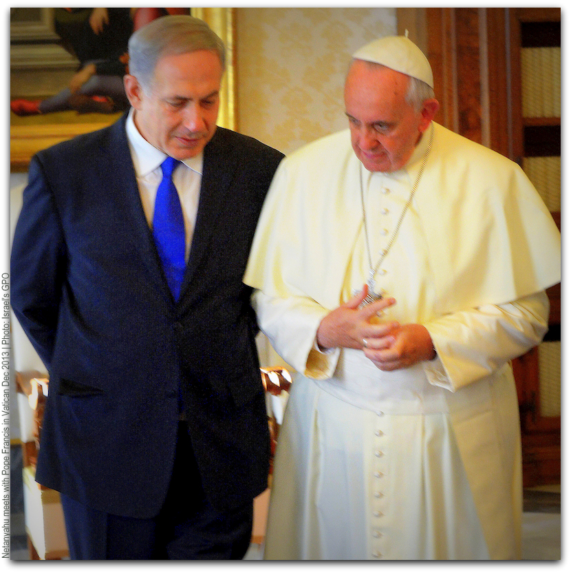 Netanyahu meets with Pope at Vatican Dec 2013 Photo Israeli GPO smaller size