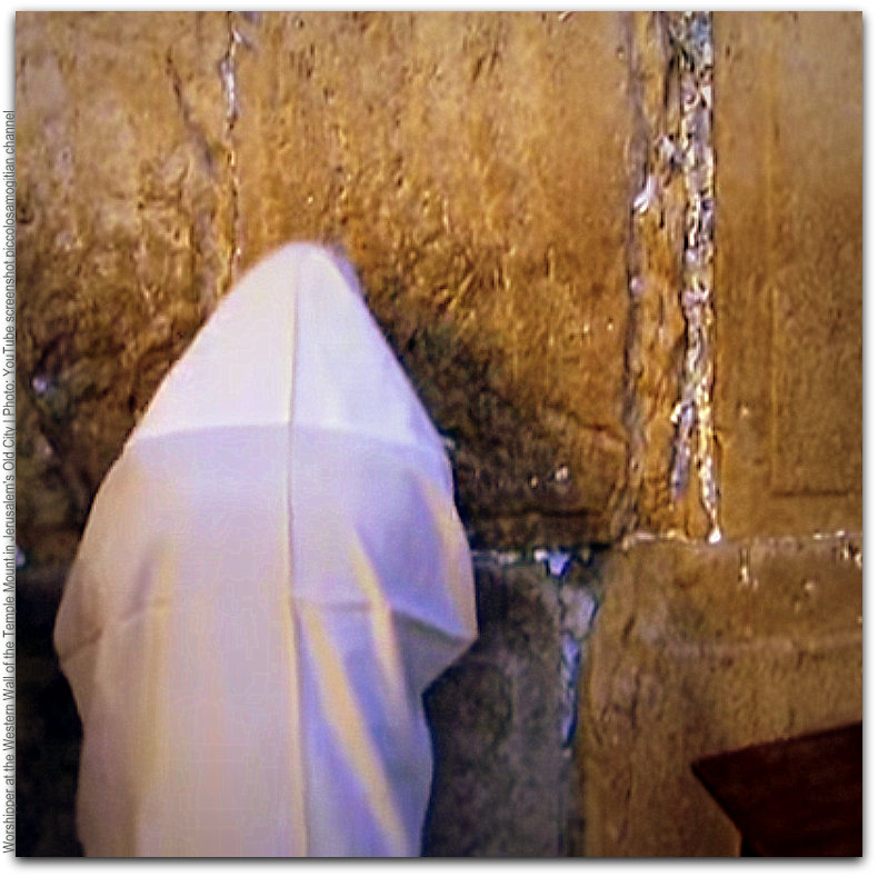Worshipper at Western Wall of Temple Mount Photo YouTube screenshot piccolosamogitian channel